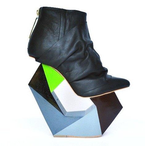 8 пар обуви на необычных каблуках и танкетках. Изображение № 6.