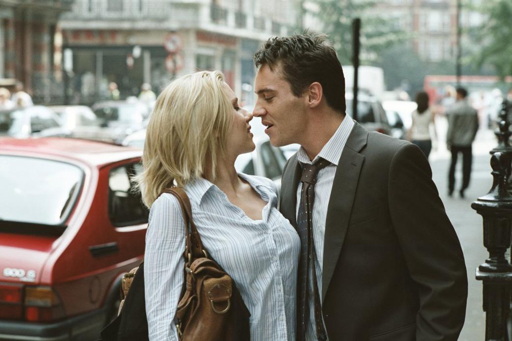 «Сегодня изменяют с тобой, а завтра — тебе»: Истории  отношений с женатыми людьми. Изображение № 1.