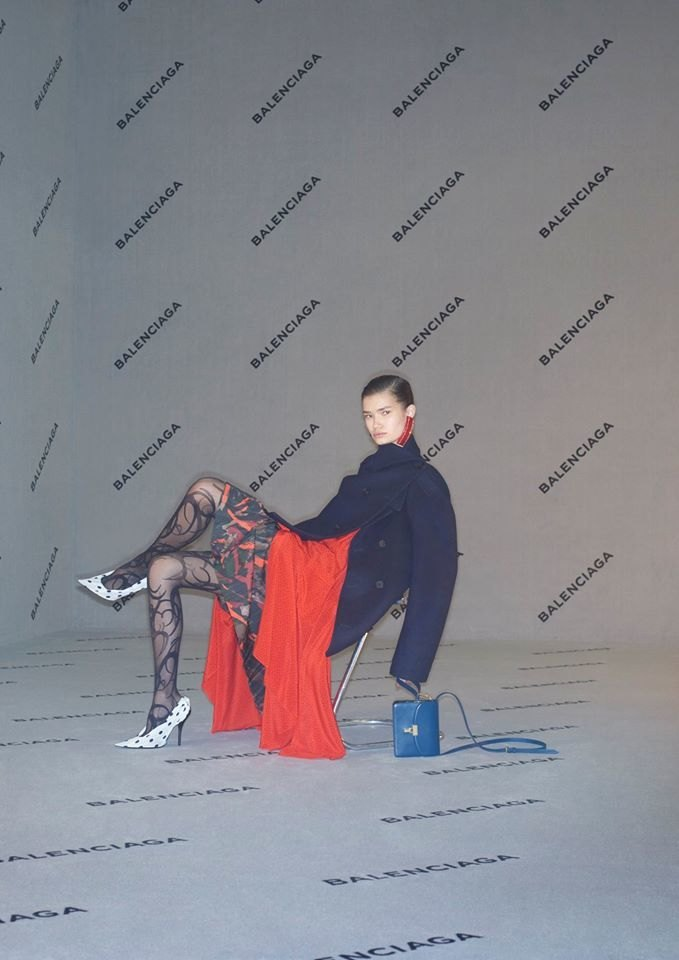 Balenciaga опубликовали «небрежную» рекламную кампанию. Изображение № 3.