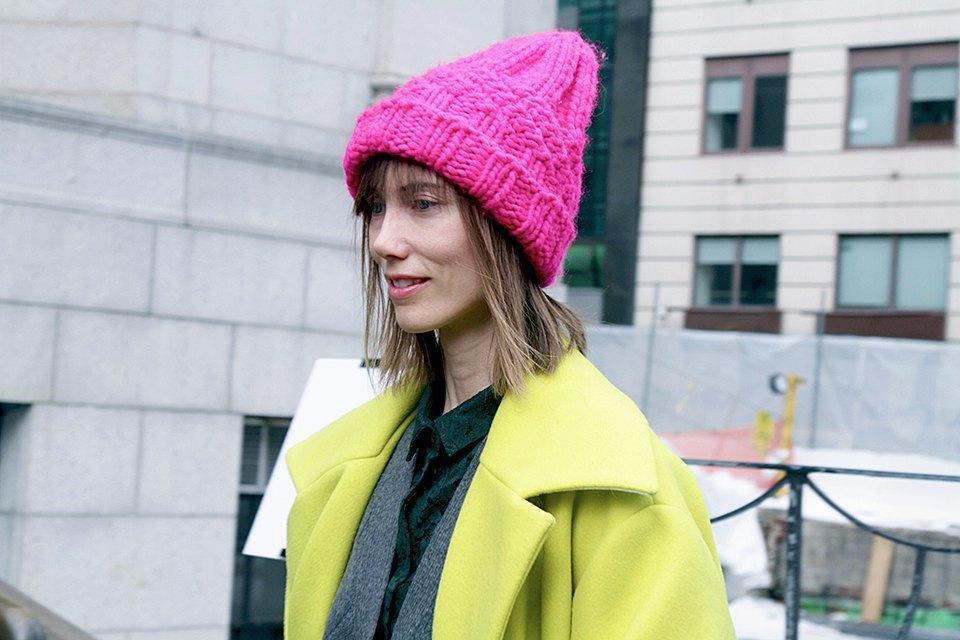 Стритстайл: Что носят на Нью-Йоркской неделе моды. Изображение № 21.
