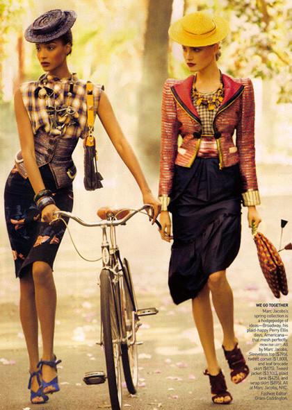 Ах, лето: Фэшн-съемки с велосипедами. Изображение № 6.