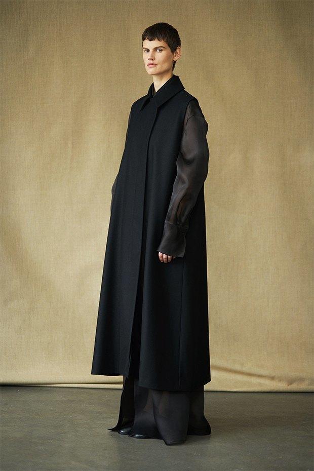 Саския де Брау в лукбуке новой коллекции The Row. Изображение № 11.