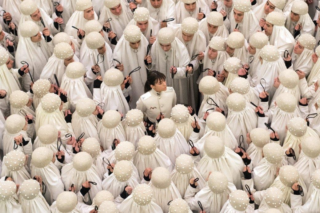 Гендерфак: Мужчины  в парандже против традиционных ценностей. Изображение № 2.