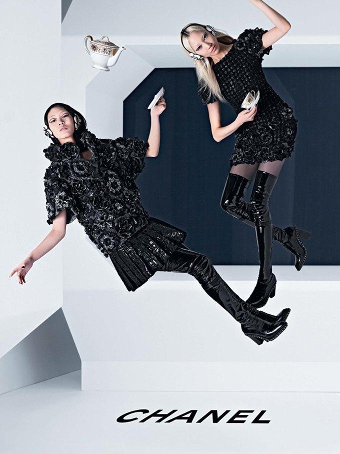 Chanel выпустила футуристическую кампанию. Изображение № 1.