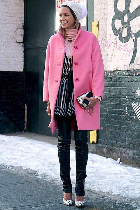 Стритстайл: Что носят на Нью-Йоркской неделе моды. Изображение № 4.