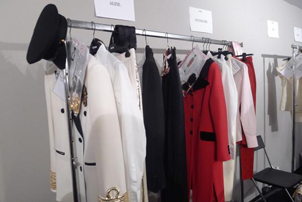 Вещи Moschino из новой коллекции. Изображение № 6.