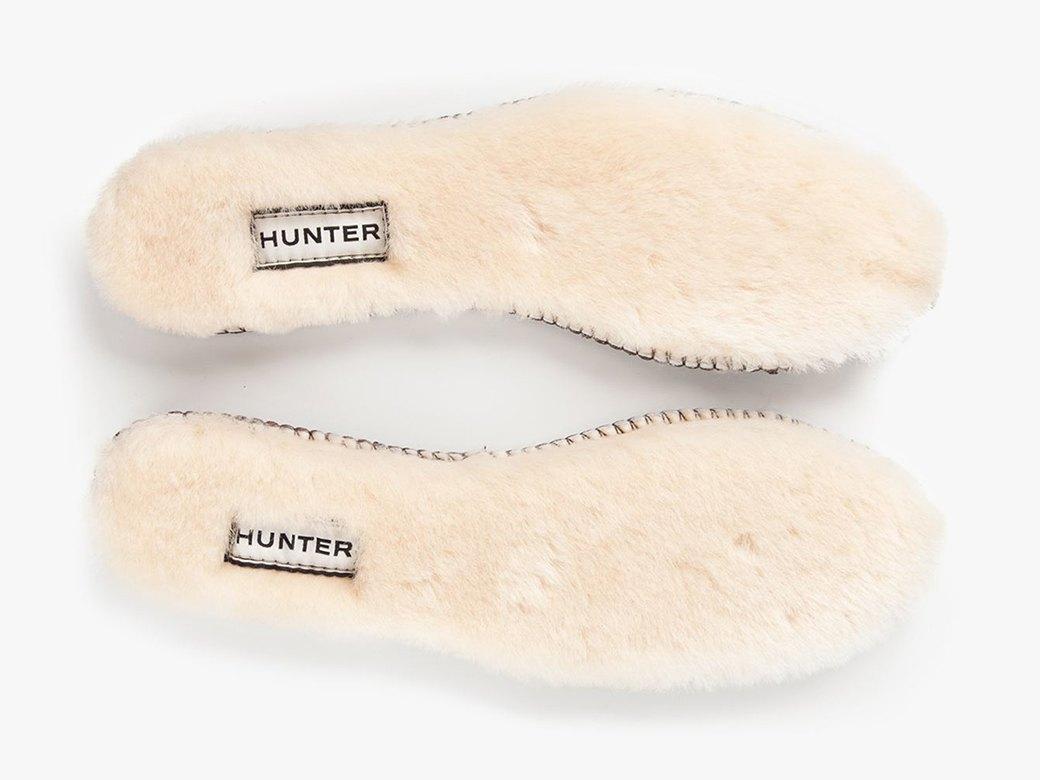Теплые и пушистые стельки для обуви Hunter. Изображение № 1.