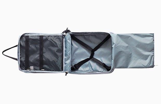 Вместительный рюкзак  для коротких путешествий. Изображение № 2.