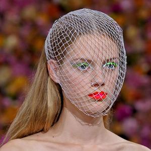 Неделя высокой моды в Париже: 9 главных коллекций. Изображение № 3.