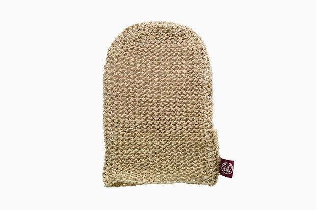 Массажная перчатка для душа из натуральных волокон конопли The Body Shop. Изображение № 24.