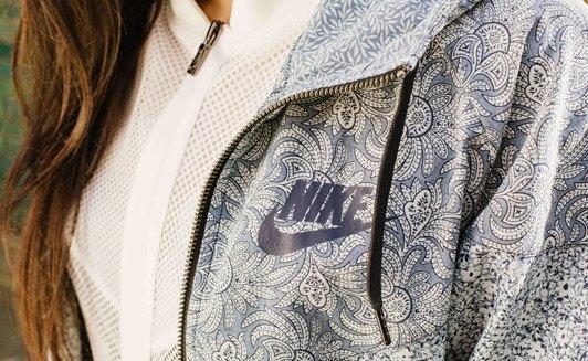 Универмаг Liberty переосмыслил  кроссовки Nike. Изображение № 4.