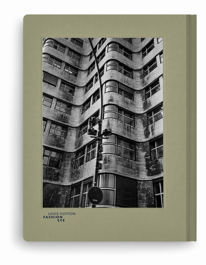 Louis Vuitton выпустили серию фотоальбомов  о путешествиях. Изображение № 6.