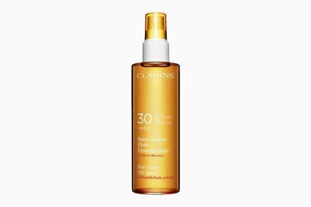 Солнцезащитное масло-спрей для тела и волос Clarins Spray Solaire Huile SPF 30. Изображение № 8.