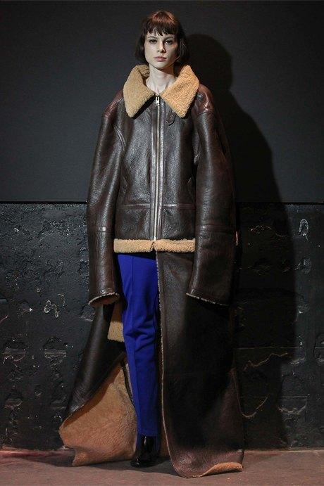 Что носить зимой:  10 модных образов  для холодной погоды. Изображение № 3.