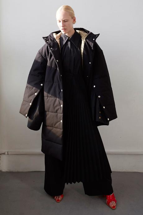 Что носить зимой: 10 уютных образов. Изображение № 12.