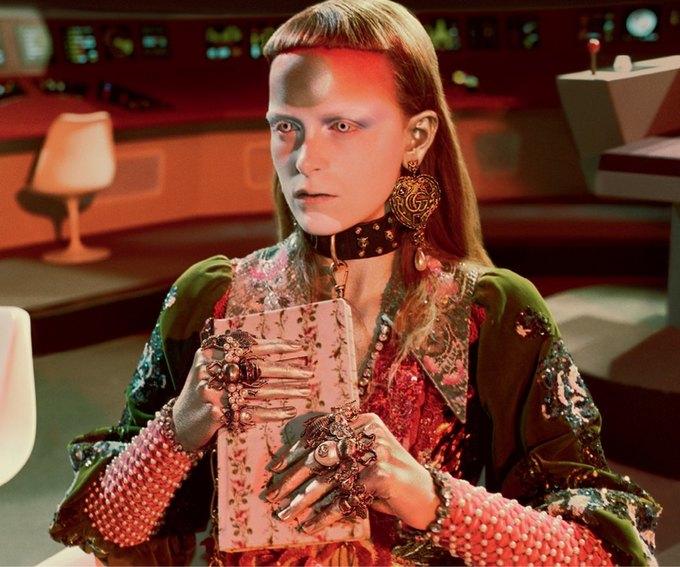 В новой кампании Gucci снялись пришельцы  и динозавры. Изображение № 20.