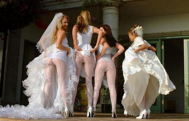 Голые задницы — новый тренд свадебной фотографии. Изображение № 5.