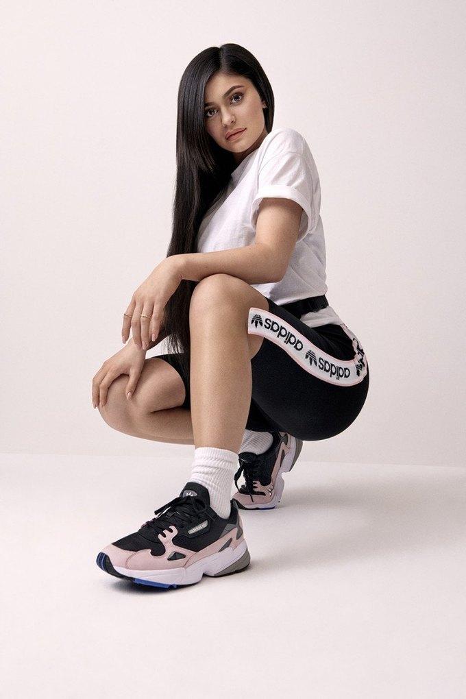 Кайли Дженнер стала новым амбассадором adidas. Изображение № 4.
