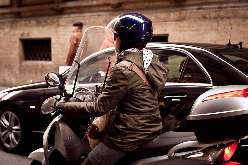Люди на улицах Рима. Изображение № 21.