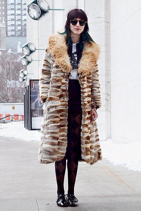Стритстайл: Что носят на Нью-Йоркской неделе моды. Изображение № 20.