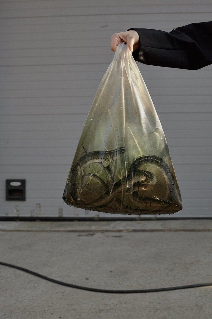 Лукбук J.Kim, вдохновлённый южнокорейскими ныряльщицами. Изображение № 3.