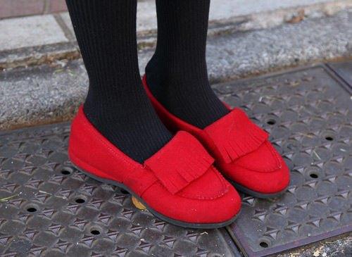 Красные шапки и бархатные ботинки на улицах Токио. Изображение № 29.