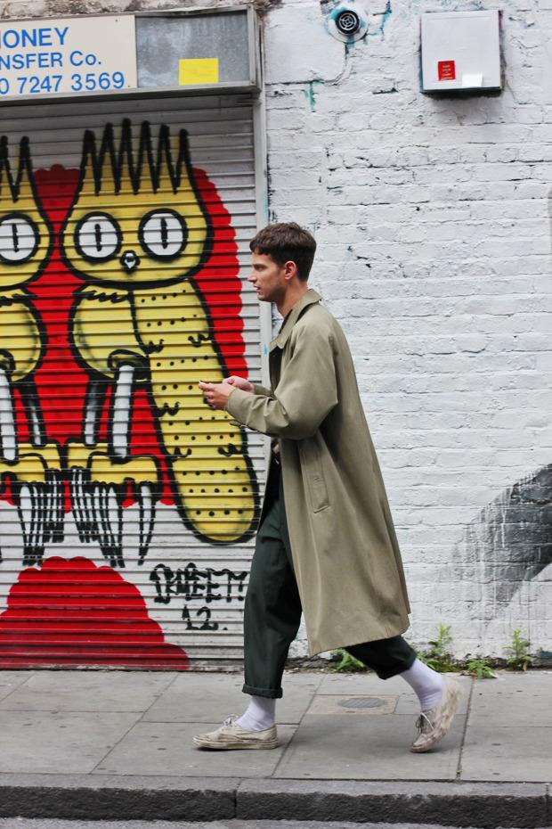 Шапки, татуировки и драгметаллы на жителях Лондона. Изображение № 37.