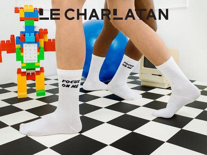 Лего, ноги гиков и роботы в лукбуке марки носков Le Charlatan. Изображение № 2.