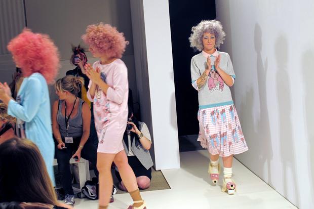 Дневник стилиста: Тесс Йопп о старушках, девочке-капкейк и облитой Джорджии Мэй Джаггер. Изображение № 22.