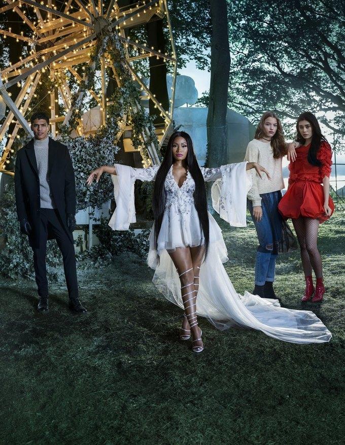 Ники Минаж снялась  в рождественской кампании H&M. Изображение № 3.