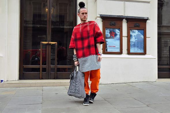 London Fashion Week: Уличный стиль, часть 3. Изображение № 31.