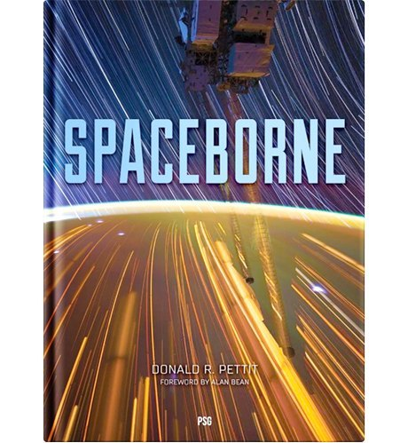 Земля в иллюминаторе: Захватывающие книги  и альбомы о космосе. Изображение № 9.