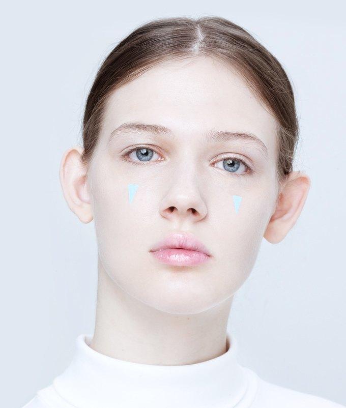Эксперименты  с макияжем: Графичные акценты на лице. Изображение № 3.