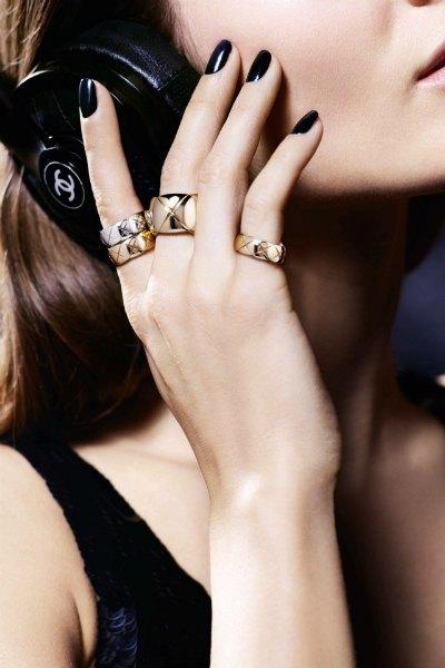 Ювелирные изделия Chanel будут продаваться  на Net-A-Porter. Изображение № 2.