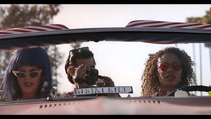 Что можно узнать  о стиле 90-х из фильма Грегга Араки «Нигде». Изображение № 6.