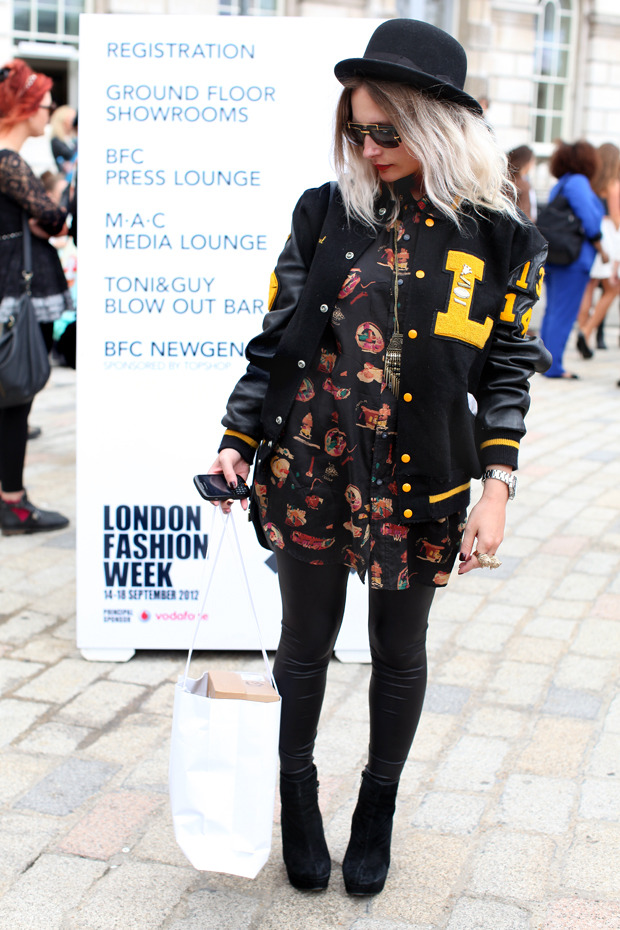 Streetstyle: Неделя моды в Лондоне, часть 1. Изображение № 20.