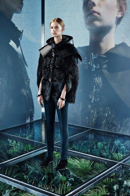 Крупная вязка и монохром в новой коллекции Balenciaga. Изображение № 12.