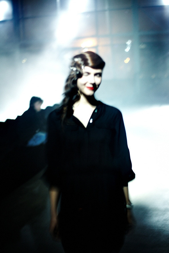 Репортаж: Vika Gazinskaya FW 2011. Изображение № 10.