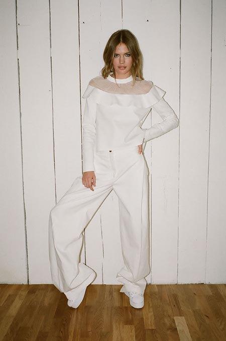 Пижамы, комбинации и халаты в новой коллекции Walk of Shame. Изображение № 17.