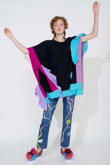 Как одеться в стиле 2000-х: 10 актуальных образов . Изображение № 16.