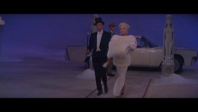 Что можно узнать о стиле  из комедии 60-х  «Что за путь!». Изображение № 11.