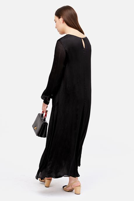 Основательница винтажного магазина More is More Аня Кольцова о любимых нарядах. Изображение № 18.