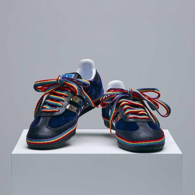Месяц прайда: Кейт Мосс и Наоми Кэмпбелл сделали кроссовки для adidas. Изображение № 3.
