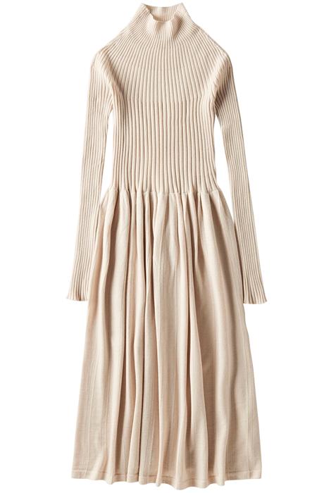 Тёплые платья на осень: 11 вариантов от простых до самых роскошных. Изображение № 2.