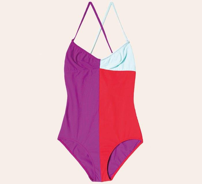 Что носить летом:  10 лаконичных слитных купальников . Изображение № 5.