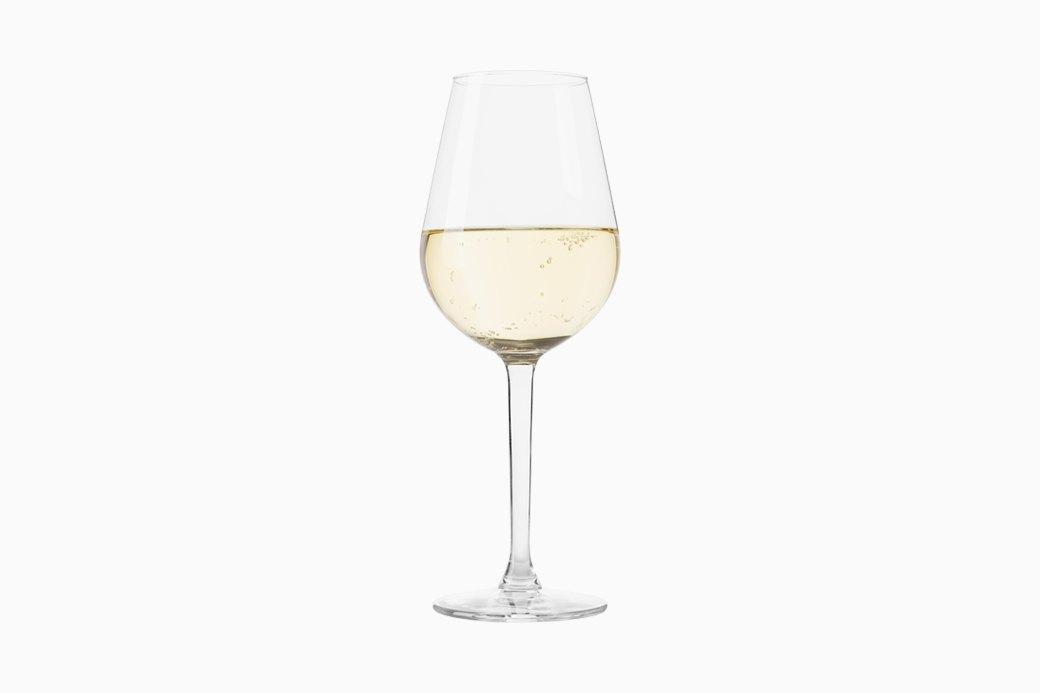 «Красное к мясу, белое к рыбе»: Как полюбить вино и начать в нём разбираться. Изображение № 3.