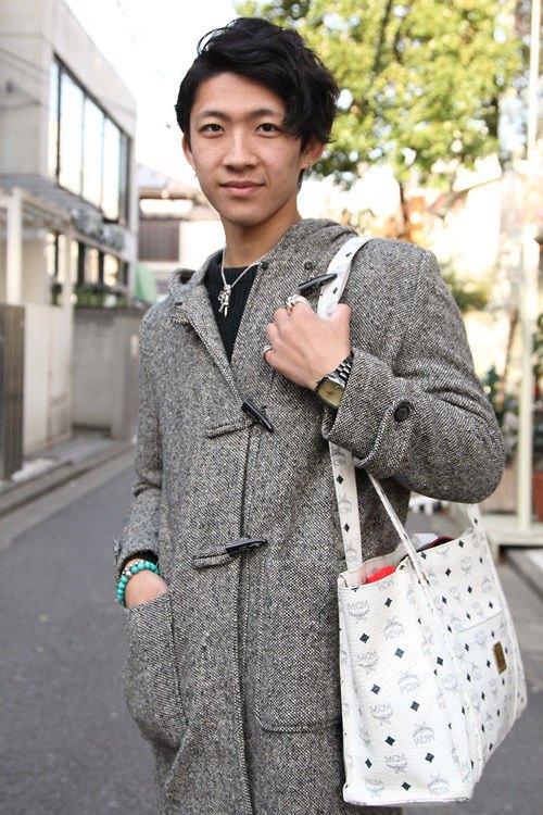 Красные шапки и бархатные ботинки на улицах Токио. Изображение № 34.