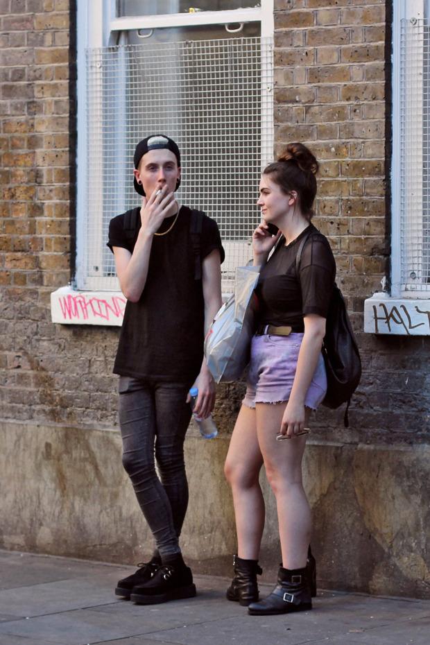 Шапки, татуировки и драгметаллы на жителях Лондона. Изображение № 19.