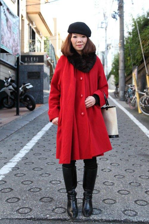 Красные шапки и бархатные ботинки на улицах Токио. Изображение № 21.