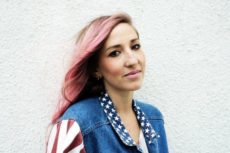 Роуз Бродбент, художница и владелец винтажного бутика из Торонто. Изображение № 14.
